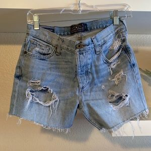 LUCKY BRAND distressed short